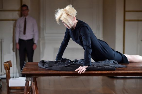 Cloakroom-a-performance-by-Olivier-Saillard-and-Tilda-Swinton-018